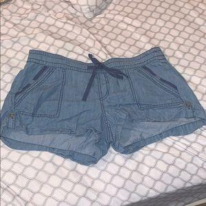 Stretchy summer shorts